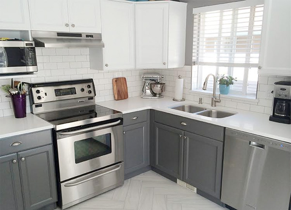 Easy and affordable ways to give your kitchen cabinets a for Cheapest way to reface kitchen cabinets